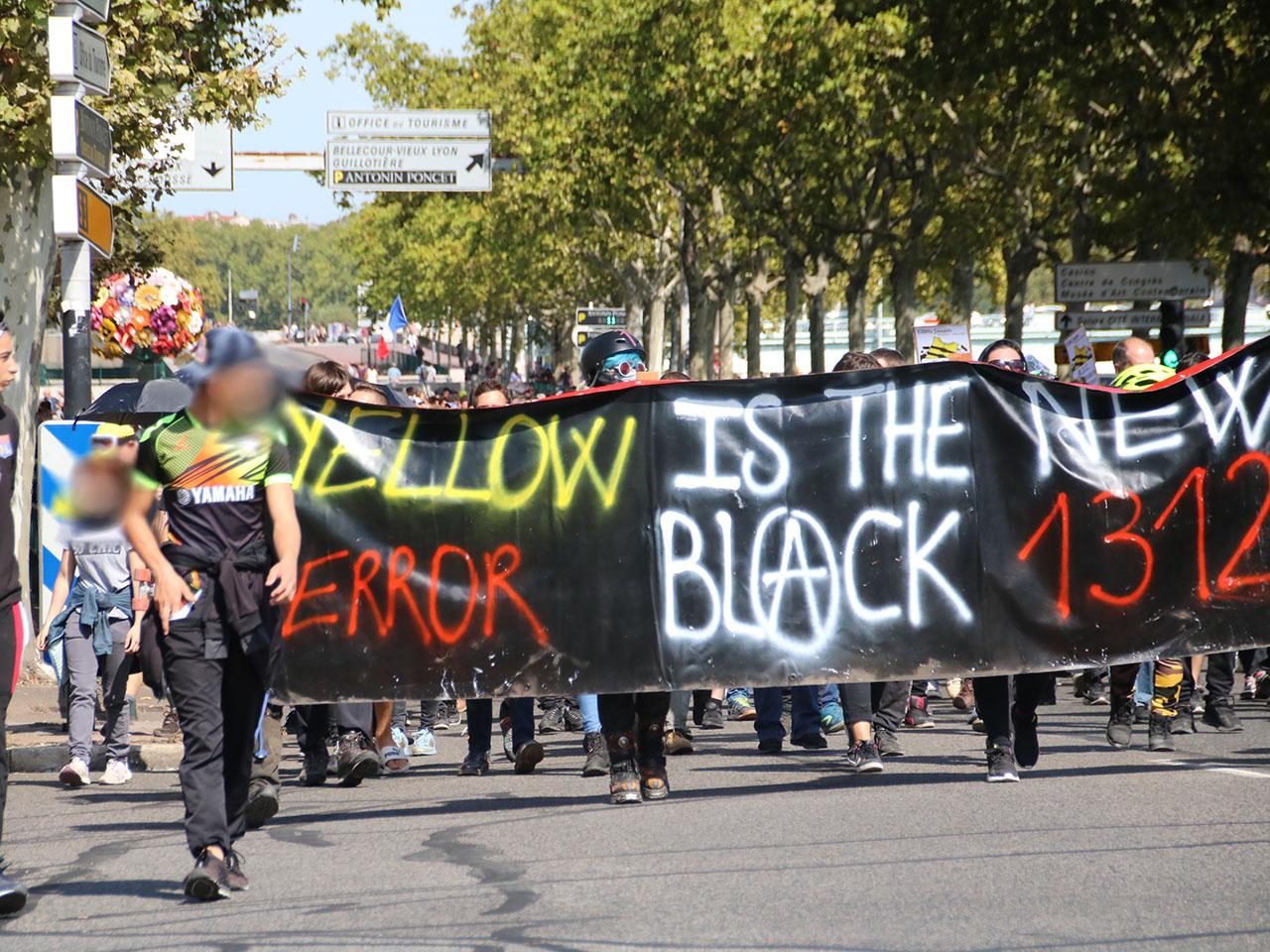 Lyon Les Gilets Jaunes étouffés Par Le Dispositif Policier
