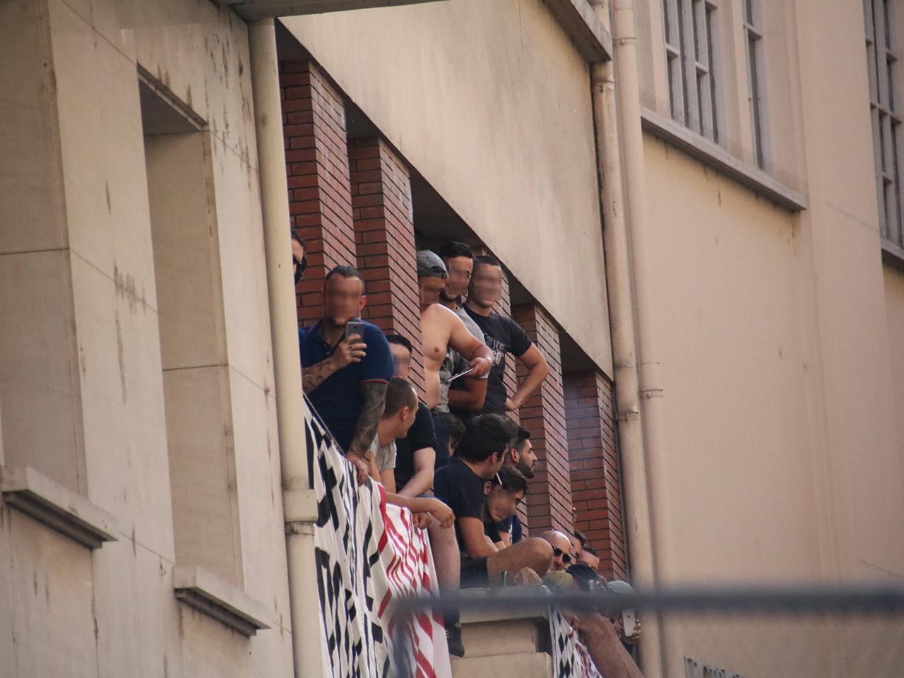 Les membres du GUD suivent de loin la manifestation - LyonMag
