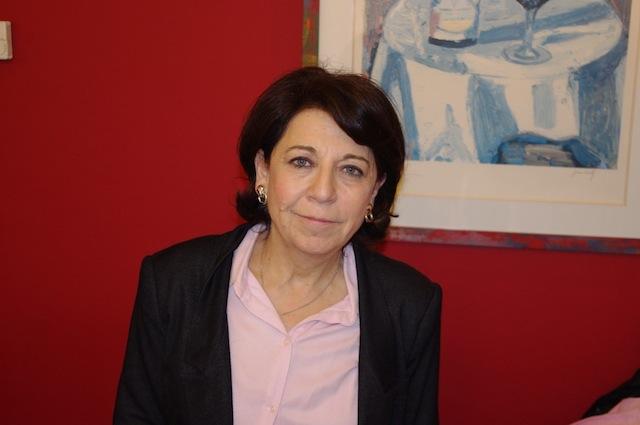 Corinne Lepage choisit l'école de commerce de Lyon pour être signataire du projet de DDHU