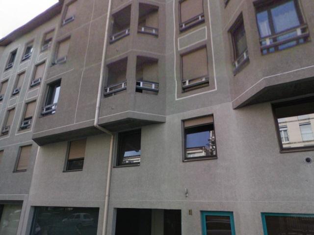 Lyon : une personne vivait avec des montagnes de détritus dans son appartement
