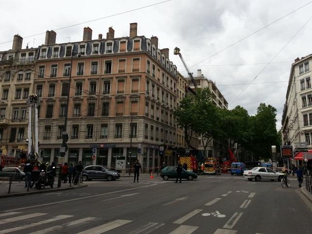 Lyon : un incendie dans les combles d'un immeuble du cours Gambetta