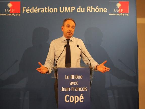 Jean-François Copé se sert de LyonMag et reçoit une peau de banane dorée