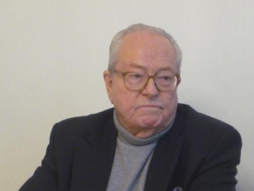 Jean-Marie Le Pen en meeting à Lyon ce mercredi