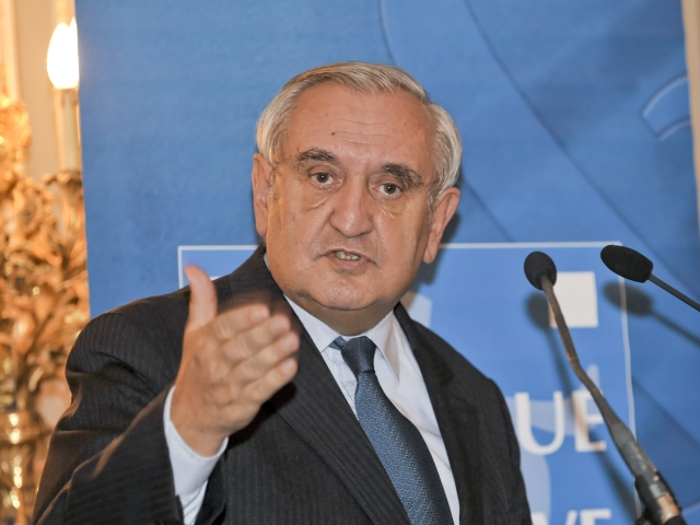 L'entarteur de Jean-Pierre Raffarin devant le juge