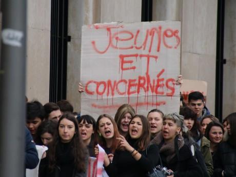 Le mouvement La Nuit Debout saisit la justice à Lyon pour pouvoir manifester