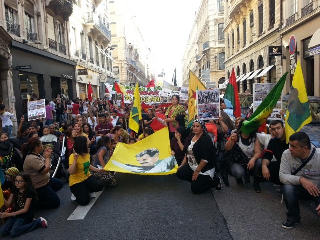 Lyon : 450 manifestants kurdes dénoncent la situation à Kobané