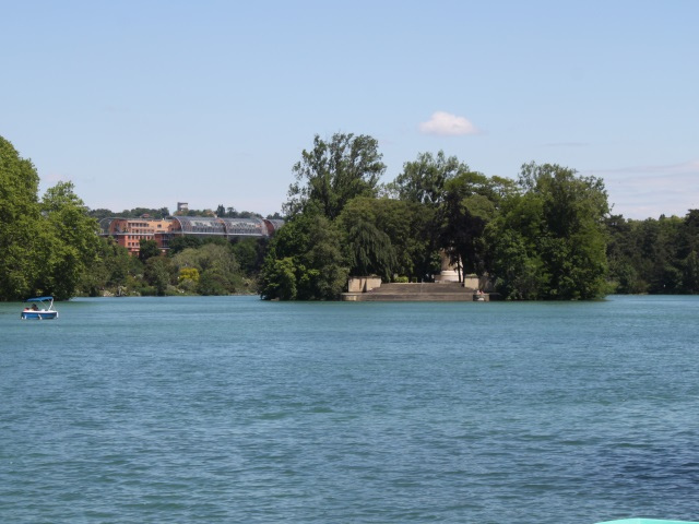 """Lyon : des """"conférences embarquées"""" sur le lac du parc de la Tête d'Or"""