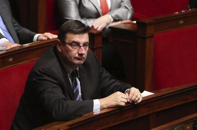 Jean-François Lamour ne veut pas entendre parler d'un parachutage à Lyon