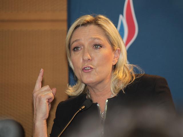 """Pour Marine Le Pen, Laurent Wauquiez est """"dans la dissimulation ou dans la schizophrénie"""""""
