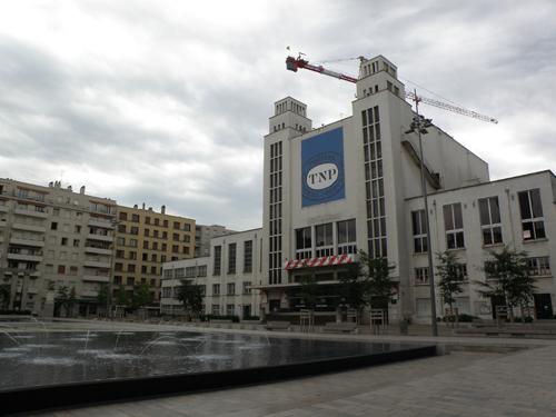 Un son et lumière sur la façade du TNP de Villeurbanne
