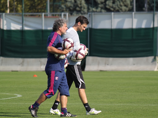 Combien de temps encore Hugo Lloris s'entraînera aux côtés de Joël Bats ? - LyonMag