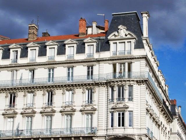 Immobilier : à Lyon, les ventes  reculent, mais moins qu'ailleurs