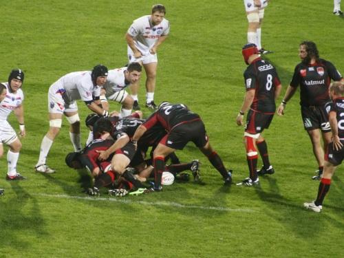 Le LOU Rugby face à une montagne
