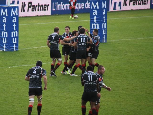 Le LOU Rugby prend le large face à Carcassonne (35-10)