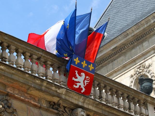 Attentat de Nice : les drapeaux en berne à Lyon et Villeurbanne