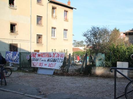 Manifestation du Collectif Amphi-Z contre l'expulsion de migrants