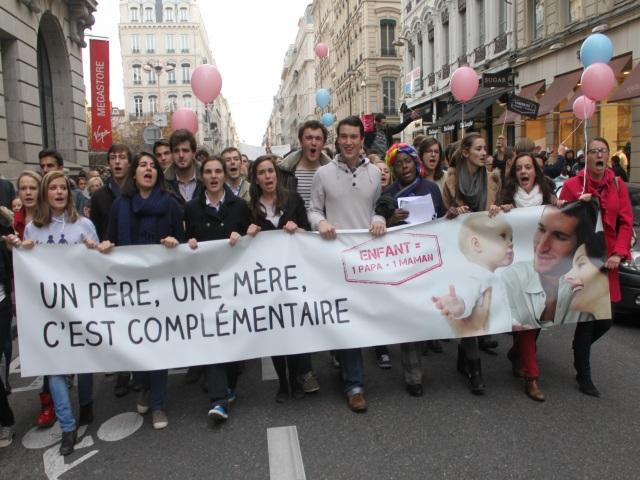 Nouveau rassemblement contre le mariage pour tous à Lyon