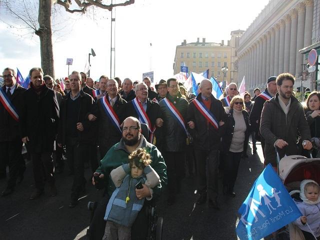 De nombreux élus dans les rangs de la manifestation - LyonMag