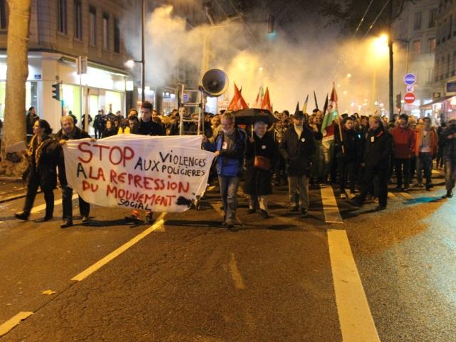 Lyon : 350 personnes ont rendu hommage à Rémi Fraisse et ont dénoncé les violences policières mardi