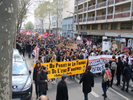 Une manifestation contre la Loi Travail en 2016 à Lyon - LyonMag
