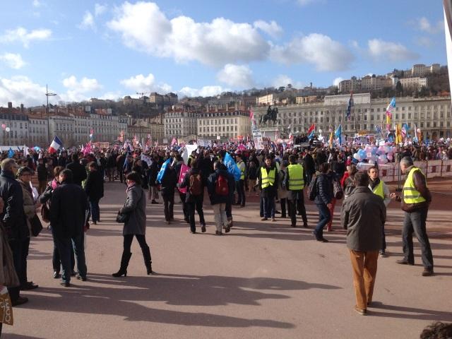 Lyon : aucune interpellation et plus de 20 000 manifestants pour la Manif pour Tous dimanche