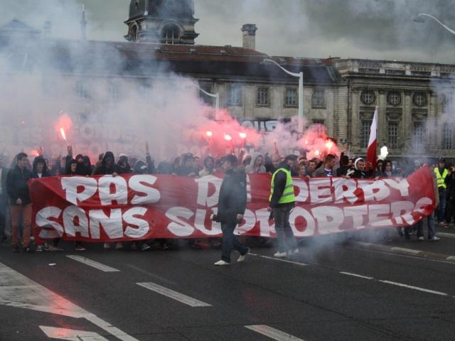 Les supporters de l'OL se font entendre dans les rues de Lyon