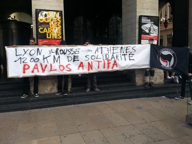 Manifestation des antifascistes place de la Comédie