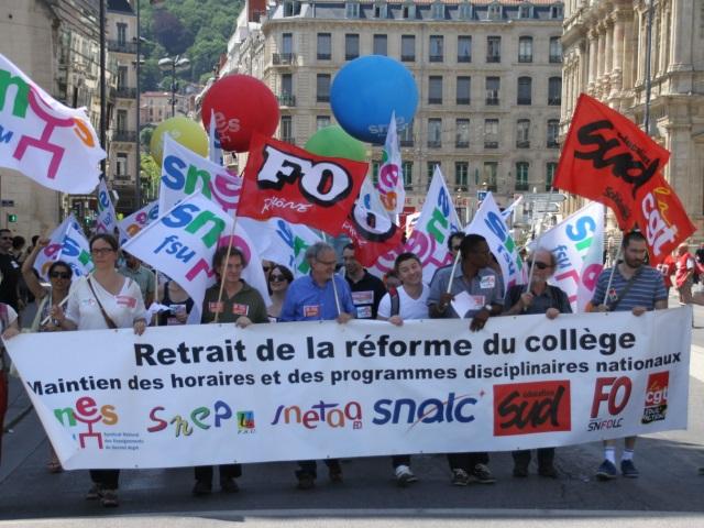 400 profs dans les rues de Lyon pour dénoncer la réforme des collèges