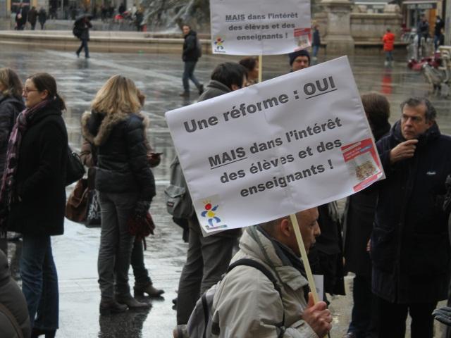"""Rythmes scolaires : A Lyon, enseignants et parents d'élèves craignent un """"passage en force"""""""