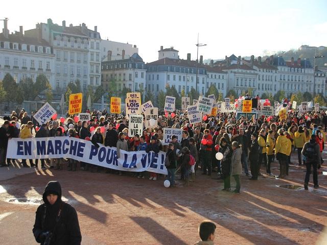 1700 personnes réunies lors de la Marche pour la Vie de Lyon