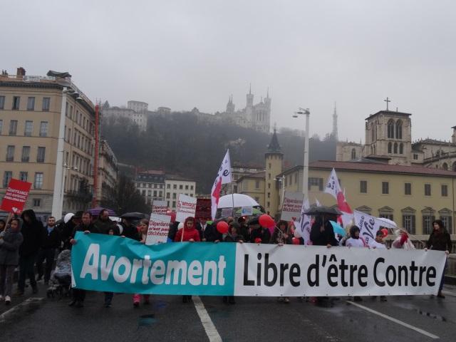 """Lyon : la """"marche pour la vie"""" a réuni près de 900 personnes"""