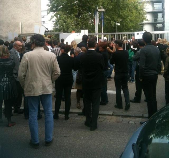 Merck : des centaines d'employés cessent le travail à Lyon