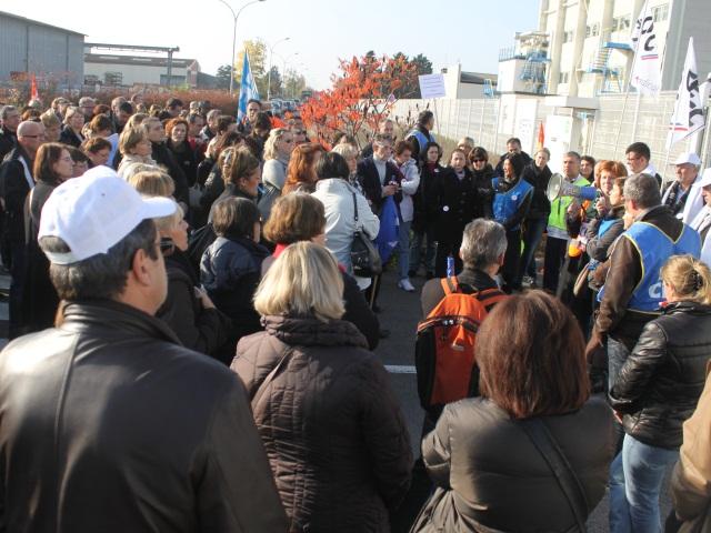 Merck : environ 150 personnes manifestent