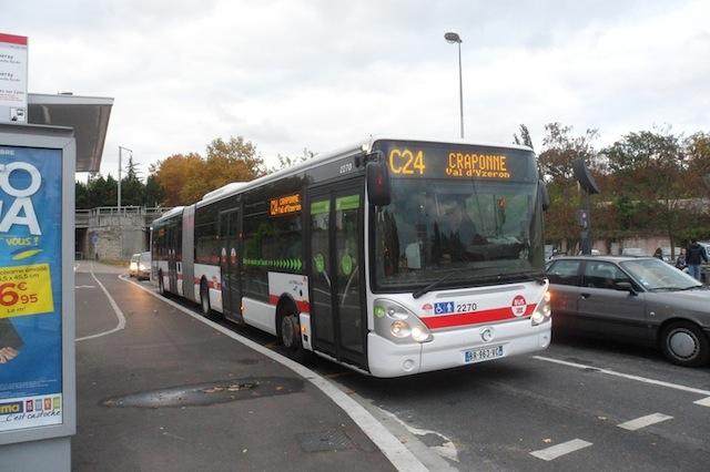 14 bless s l gers dans un accident de bus vendredi lyon - Lyon to geneva bus ...