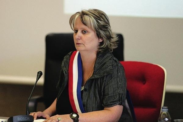 """Rixe mortelle à Vénissieux : Michèle Picard """"en appelle au gouvernement"""" pour réagir"""