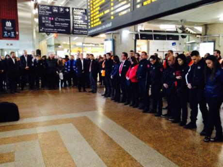 A la gare de la Part-Dieu à Lyon, une minute de silence a été observée ce lundi midi - LyonMag.com