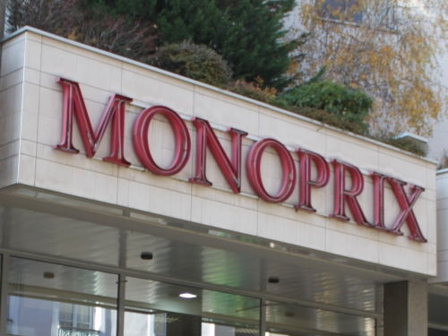 Lyon : certains magasins Monoprix sommés de fermer à 21h