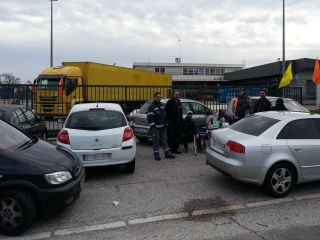 Rhône : les sites de Mory Ducros toujours bloqués par les salariés