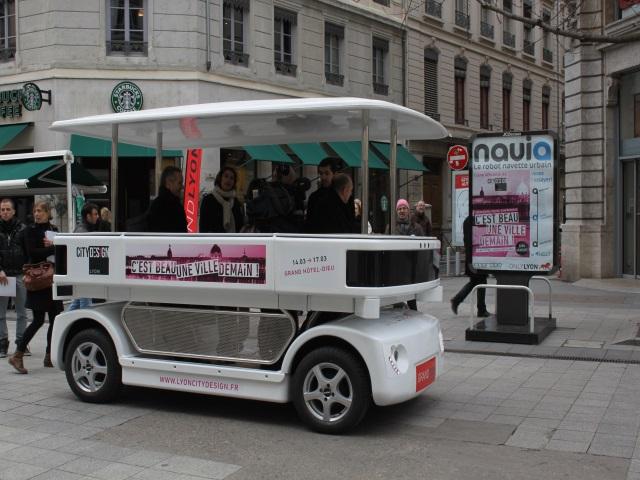 Navia, le premier robot navette dans les rues de Lyon