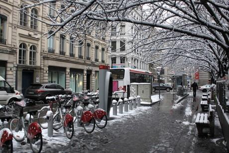 Météo : arrivée d'une neige timide sur Lyon avec un froid glacial !