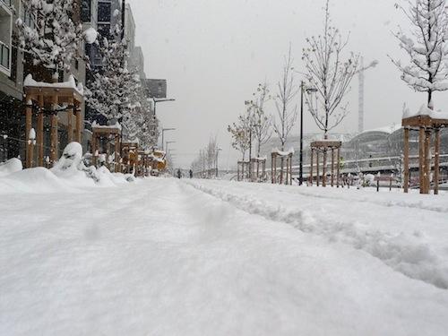 La neige a fait son apparition dans le Rhône, le verglas redouté