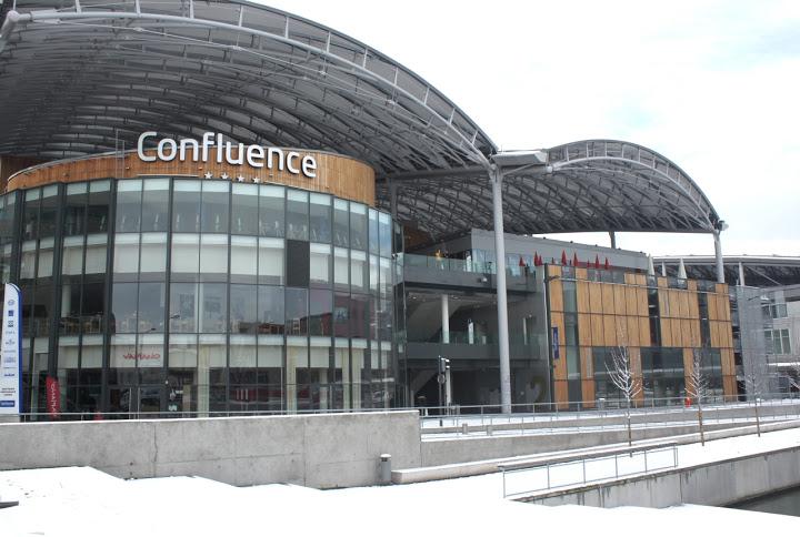 Pas de fermeture du Carrefour de Confluence