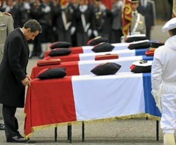 Nicolas Sarkozy lors des obsèques mercredi - Photo menly.fr