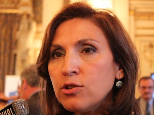 "Maintien de la mise en examen de Sarkozy : ""Ca va le rendre encore plus sympathique"" selon Nora Berra"