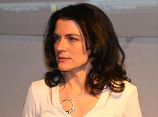Municipales à Lyon : Nathalie Perrin-Gilbert confirme sa candidature face à Collomb