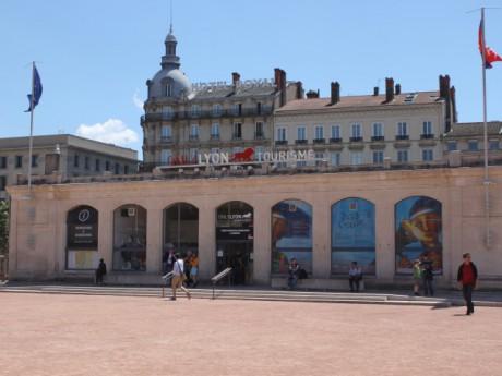 Tourisme à Lyon : baisse de fréquentation de 50 % par rapport à l'été dernier