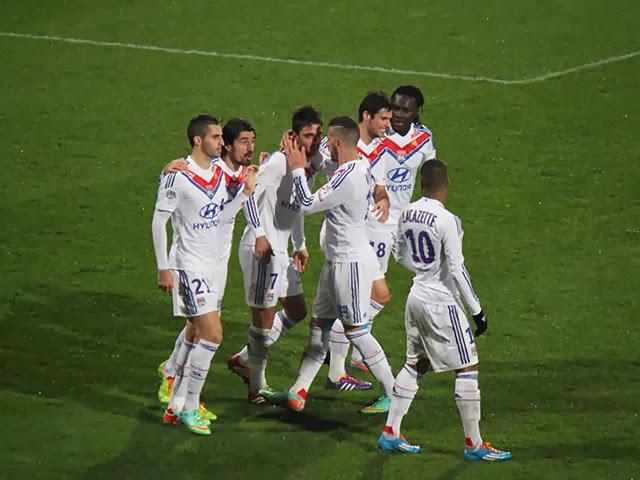 Coupe de la Ligue : l'OL s'offre Marseille et jouera les demi-finales face à Troyes (2-1) - VIDEO