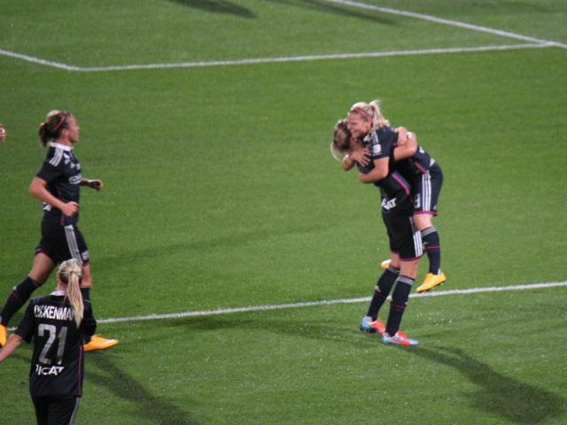 Les filles de l'OL prennent la tête du championnat après leur victoire contre Montpellier (5-0)