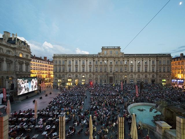"""Rhône-Alpes : 10 000 personnes ont vu samedi soir """"Le Comte Ory"""" sur grand écran"""