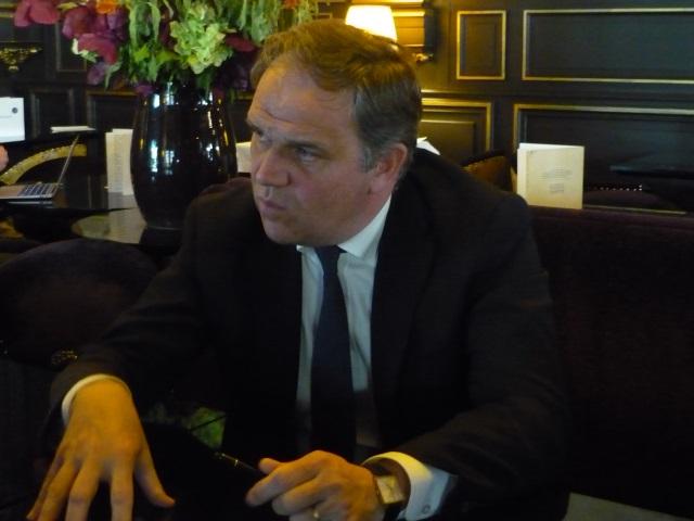 Présidence du Grand Lyon : le candidat UMP François-Noël Buffet prône l'échange avec chaque commune